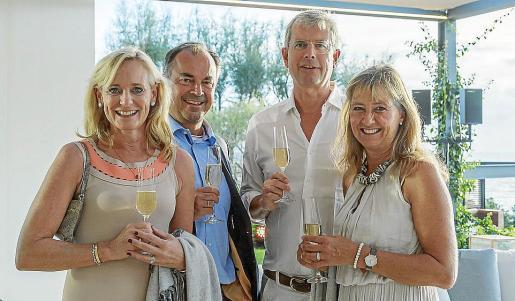 Sybille Kallmeyer, Henrike Esser, Peter Kallmeyer y Till-Florian Esser.