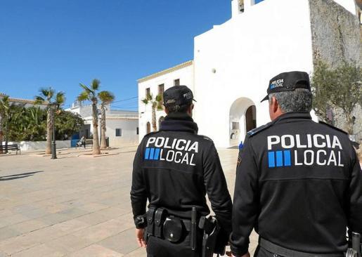 El delegado sindical fue cesado de la plaza que ocupaba como auxiliar administrativo interino en la Policía Local.