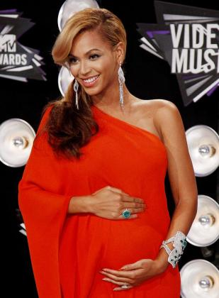 Beyonce luciendo embarazo durante los MTV Video Music Awards en Los Angeles, el pasado mes de agosto.