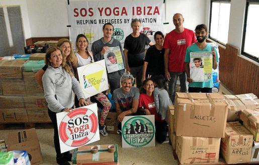 SOS Refugiados Ibiza envía nueve palets de ayuda humanitaria con comida y medicinas a Grecia.