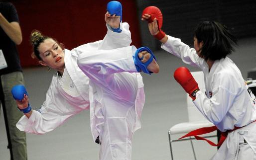 Cristina Ferrer, durante un combate de la competición indivudal del Campeonato del Mundo de Madrid.