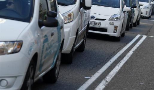 El Gobierno propone prohibir la venta de coches de gasolina, diésel e híbridos desde 2040.