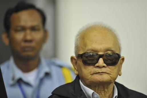 Condenados a cadena perpetua dos destacados líderes de los Jemeres Rojos por genocidio.