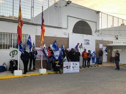 Los trabajadores de la cárcel de Ibiza secundan la huelga de prisiones.