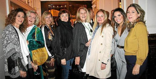 Mercedes Fernández, Fátima Coll, Gema Muñoz, Begoña Carrasco, Águeda Ropero, Sandra Horrach, Alba Soto y Alicia Polo.