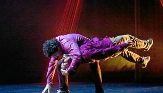 La danza y las marionetas se fusionan en 'Hariak' este sábado en Cas Serres