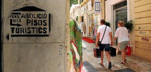 La Ley de Vivienda y la de Alquiler Turístico, aprobadas por las consellerías de Territori y de Turisme, tenían como objetivo final una rebaja en el precio de los pisos.