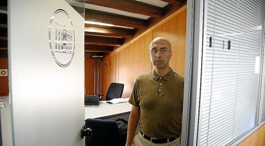 Jaume Far, el pasado julio, en el despacho que ocupa en el edificio del Parlament.