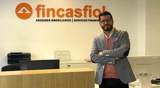 Roberto Fluxà es el gerente de Fincas Fiol desde la creación de la empresa hace 20 años.