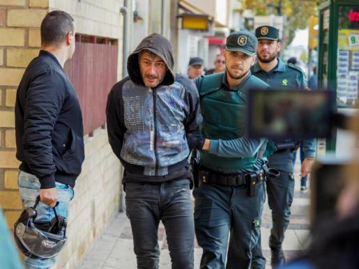 Uno de los cinco detenidos que han pasado este jueves a disposición judicial