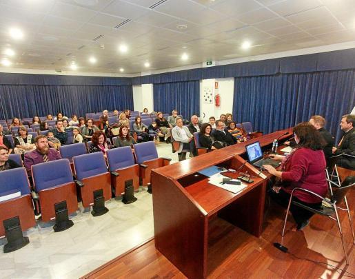 Un momento de la inauguración del curso académico que se celebró ayer por la tarde en la UNED de Ibiza.