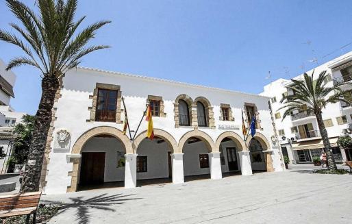 Imagen de archivo del edificio consistorial de Santa Eulària