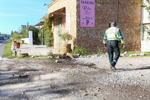 El Equipo de Atestados de la Guardia Civil regresó ayer por la mañana al lugar de los hechos para recabar más información que ayude a esclarecer lo sucedido.