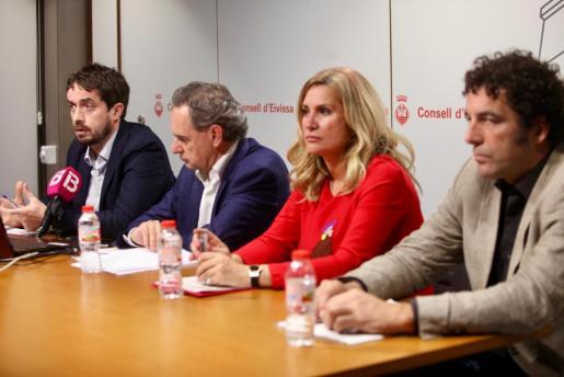 Intervención del director de Aquática, Fernando López, durante la rueda de prensa.