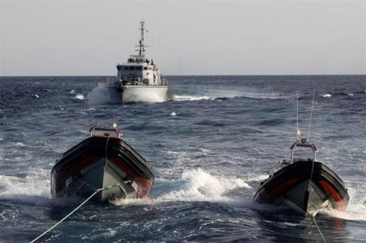 Mueren unos 15 migrantes por el naufragio de su embarcación frente a Libia.