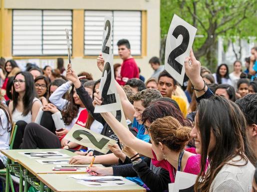 La experiencia del IES Blanca Dona, en la imagen de archivo del día del centro, se recoge en el informe de la educación.