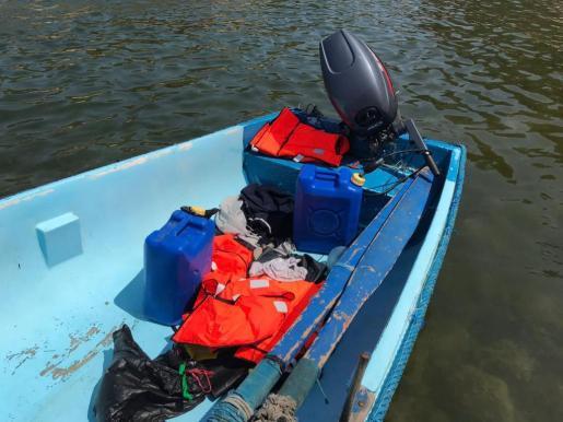 La Guardia Civil ha informado de que una de las pateras detectadas al sur de Cabrera se dirige hacia Palma.