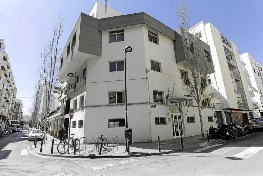El antiguo retén de la Policía Local, en la calle Vicent Serra i Orvay, será demolido.