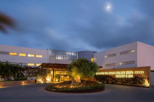Palladium Hotel Group recibe un reconocimiento por superar las 200 contrataciones de personas en riesgo de exclusión social.