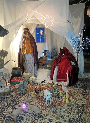 Un año más San José y la Virgen María están acompañados de una buena cantidad de animales.