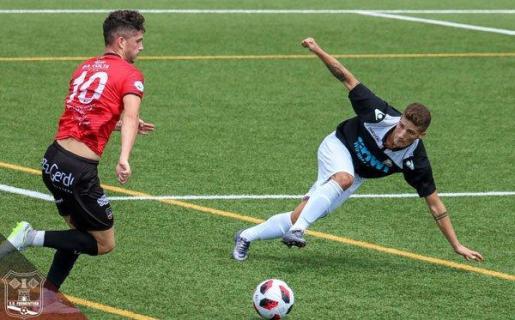 Manu Torres en una acción con el Formentera.