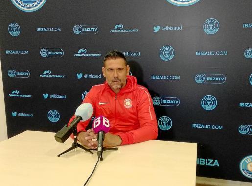 Andrés Palop, durante la rueda de prensa previa al encuentro contra el Jumilla.