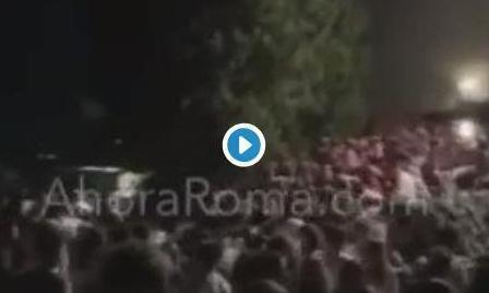 Vídeo del momento de la estampida en la salida de una discoteca de Italia.