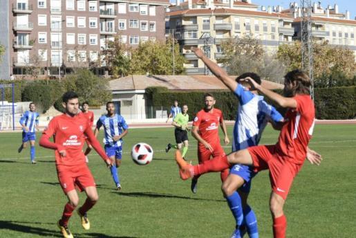 Una acción del partido entre el Jumilla y la UD Ibiza.