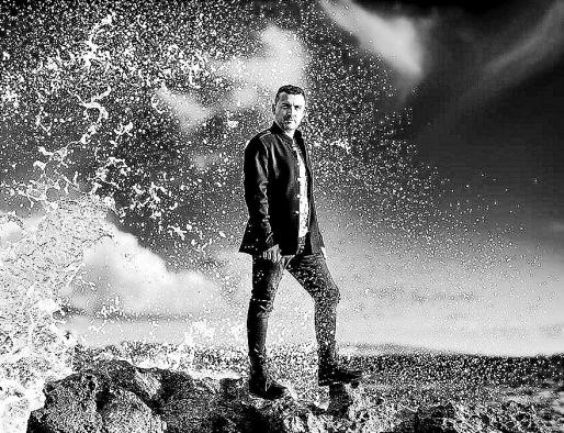 Imagen promocional de Chris Martos, que ya tiene tres discos en el mercado.