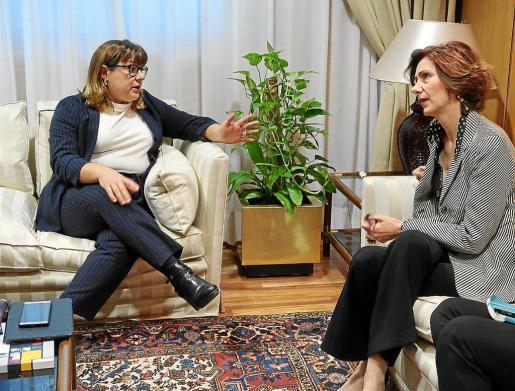 La vicepresidenta del Govern, Bel Busquets, y la secretaria de Estado de Turismo, Bel Oliver, ayer, en Madrid.