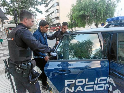Imagen de uno de los inmigrantes llegados a Ibiza que fue puesto a disposición judicial.