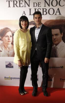 La periodista Irene Villa y su marido Juan Pablo Lauro, hace unos años en un estreno cinematográfico.