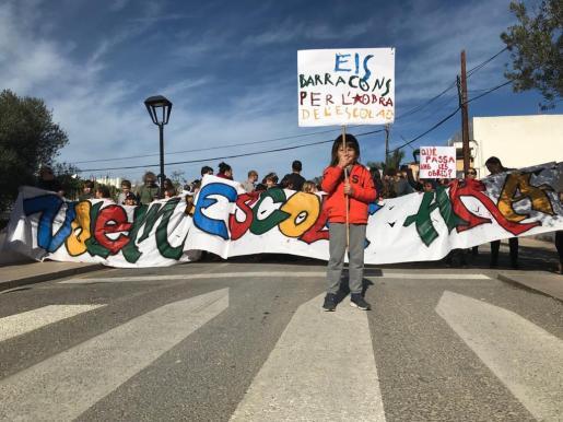 En la marcha también participaron alumnos y alumnas afectados por esta situación