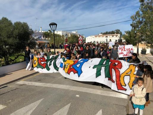 """La Apima: """"La paciencia se nos está acabando y queremos ver con hechos que la escuela de Sant Ferran es una prioridad"""