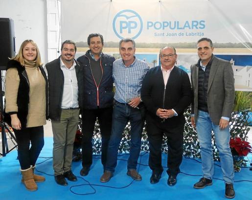 Alrededor de 400 personas asistieron a la comida de Navidad organizada por el Partido Popular de Sant Joan.