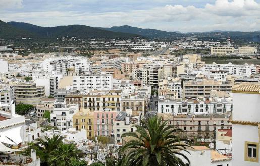 En Ibiza hay muchas viviendas que se anuncian de manera ilegal en Airbnb ya que el alquiler de pisos a turistas está prohibido.
