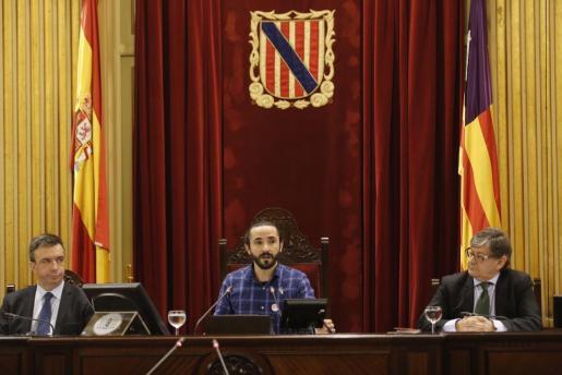 Imagen de pleno en el Parlament Balear