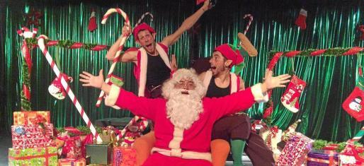Papa Noel y sus duendes.