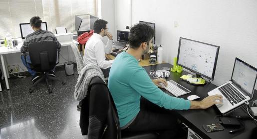 Los miembros de MonitorizeMe ayudan a agencias de comunicación y community managers de empresas a orientar sus estrategias online.