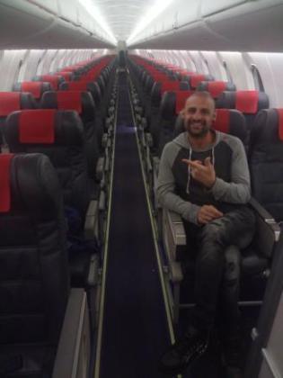 El pasajero ha compartido la inusual experiencia en redes sociales