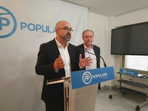 Vicent Roig y Mariano Juan durante la presentación del balance del 2018.