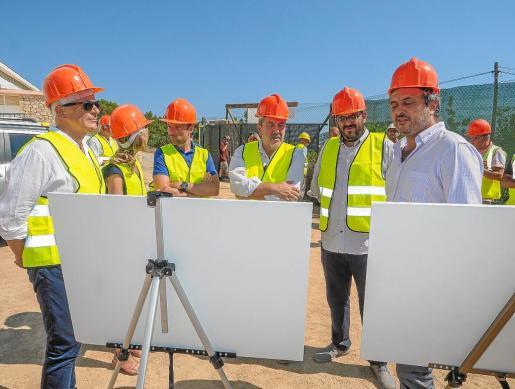 Vicenç Vidal presentó este verano las obras de ampliación del depósito de la desaladora de Santa Eulària.