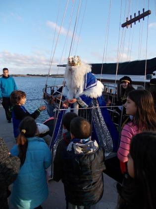 El rey Melchor a su llegada al puerto de la Savina de Formentera en anteriores visitas