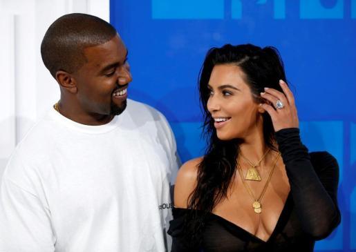 Kim Kardashian junto a su marido Kanye West.