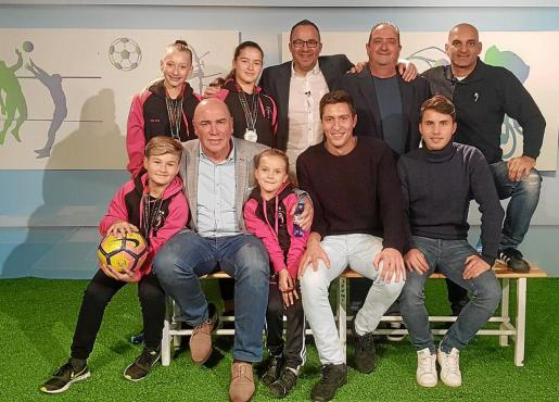 Foto de familia con los invitados de Dxtef.