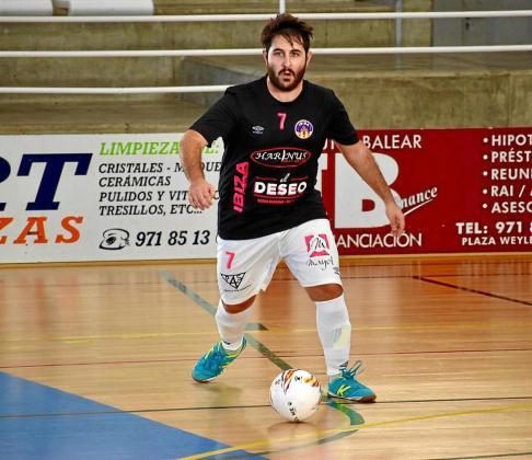 Pedro Salas, en acción durante un partido del Harinus Ibiza Futsal de la presente temporada.
