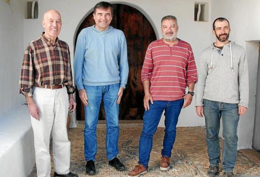 Un parell de 3. De izquierda a derecha, Ignasi Carrero, Jero Izquierdo, Toni Manonelles y Vicent Marí, 'Palermet'.