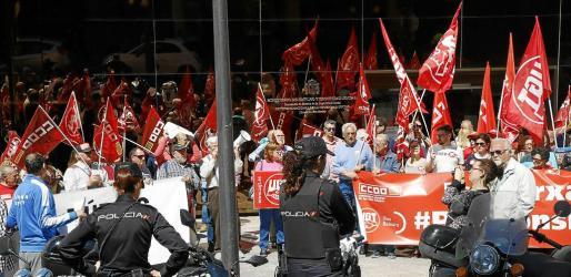 El crecimiento de Vox puede provocar una enérgica reacción sindical y de muchas entidades culturales y progresistas.