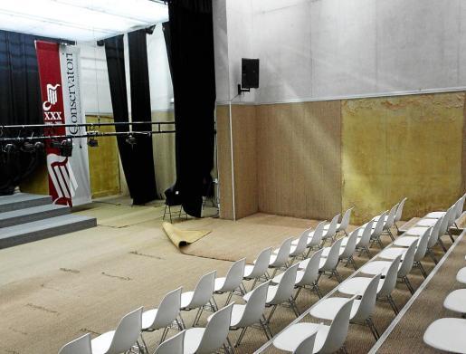 El auditorio del Conservatorio permanece cerrado debido al mal estado en el que se encuentra.