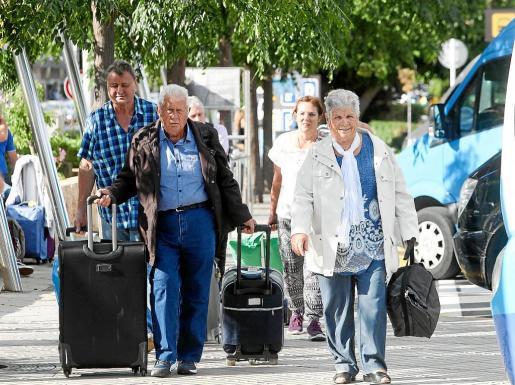 'Benet' dice que el Imserso llega con fuerza este año y compensará las cifras de turistas en temporada baja.